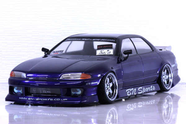 NISSAN SKYLINE R32 4 door(スカイライン)